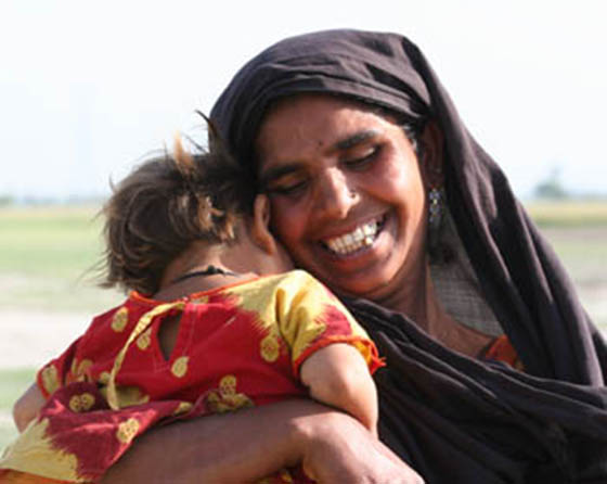 Pakistan - mother and child